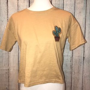 Tops - ⭐️NEW⭐️ Large cactus top mustard yellow